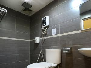 Single Room Toilet