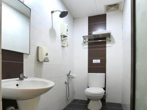 Superior Room Toilet